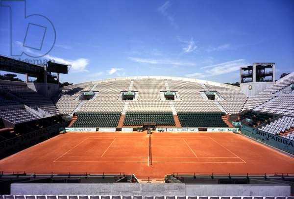 The Roland Garros stadium in Paris. Court Suzanne Lenglen. Photography 18/06/05.