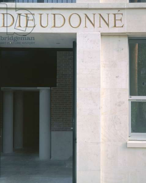 Laboratory of mathematics Jean Alexandre Dieudonne at the University of Nice Sophia-Antipolis (Sophia Antipolis) (Alpes Maritimes, Provence Alpes Cote d'Azur region). Architects Xavier Fabre and Vincent Speller, 1995.