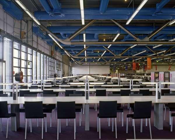 Le Centre Georges Pompidou, Place Georges Pompidou, Paris 75004. Architecture by Jean-Francois Bodin, Renzo Piano and Richard Rogers, 1971-1977. Photography 10/01/00