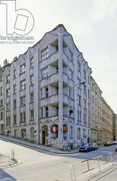 Cubist residential building (Hodek appartment) 34 Nekilanovaa Street Prague, Czech Republic. Construction 1913, architect Chochol Josef. Photography 10/07/91.
