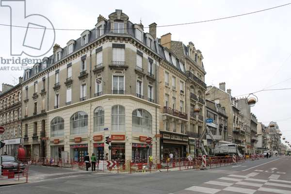 Works in rue Jeanne d'Arc in Reims (Marne, Champagne Ardennes region).