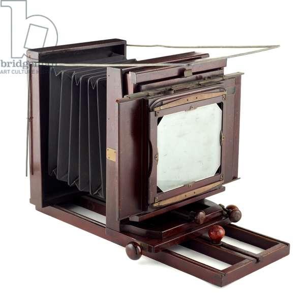 Studio camera, Eastman Kodak Company, 1907-26 (wood, metal, cloth & rubber) (see also 742400)