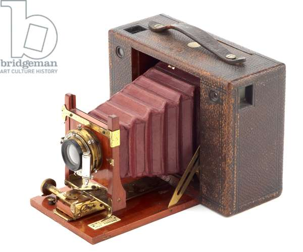 Camera, Eastman Kodak Company, 1897 (wood, metal, leather & glass) (see also 732403)