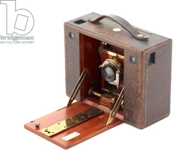 Camera, Eastman Kodak Company, 1897 (wood, metal, leather & glass) (see also 732402)