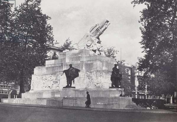 Royal Artillery Memorial, 1920s (b/w photo)