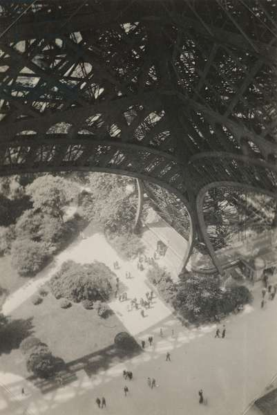 The Eiffel Tower, Paris, c.1931 (b/w photo)