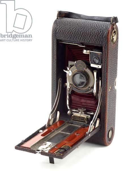 Camera, Eastman Kodak Company, 1909 (metal, leather & glass) (see also 742404)