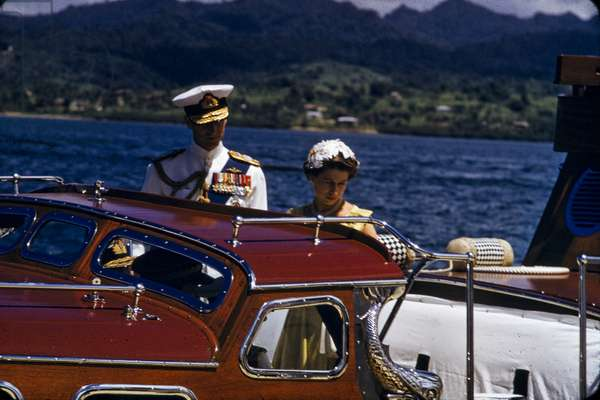 Queen Elizabeth and Prince Philip on royal tour, Fiji, 1953 (photo)