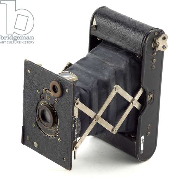 Camera, Canadian Kodak Company, 1915-26 (metal, leather & glass) (see also 742431-3)