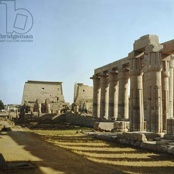 Luxor Thebes: Temple of Luxor, Colonnades of Amenophis III and Tutankhamun (All-Ankh-amun) (18th Dynasty) pylons and obelisk of Ramses II (19th Dynasty).