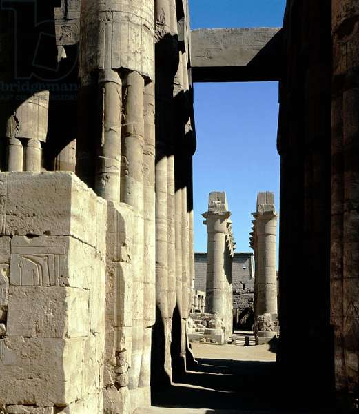 Luxor Thebes: Luxor temple. Columns of Amenophis III, of Tutankhamun (All-Ankh-Amon) (18th Dynasty) and pylons of Ramses II (19th Dynasty).