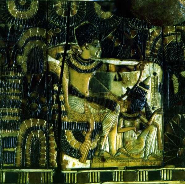 Cairo: Archaeological Museum. Treasure of Tutankhamun. Jewelry chest. 18th dynasty