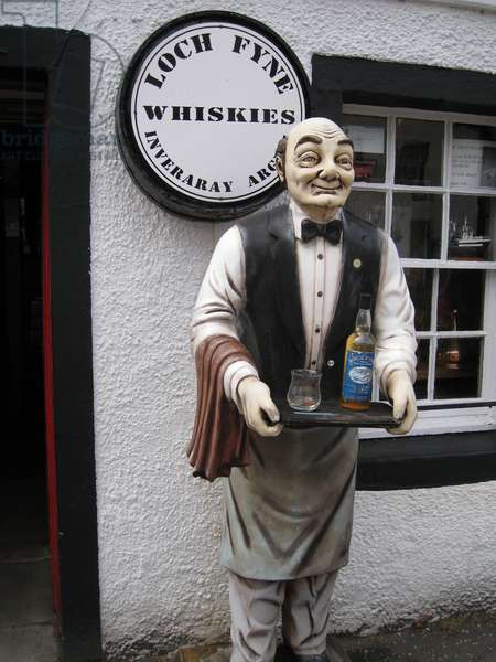 Whisky shop, Inverary, Scotland, 2012 (photo)