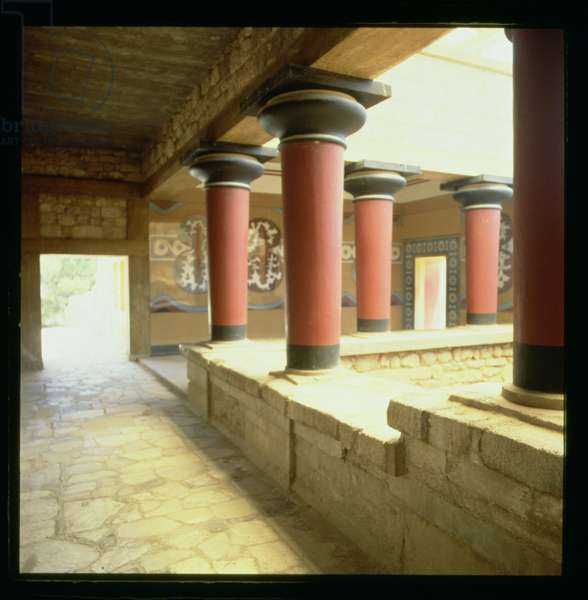 Arcade in the Palace, c.1500 BC (photo)
