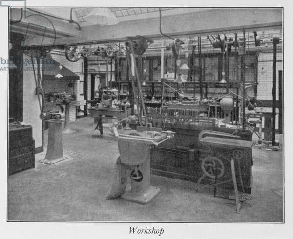 Royal Institution basement workshop, 1930s (b/w photo)