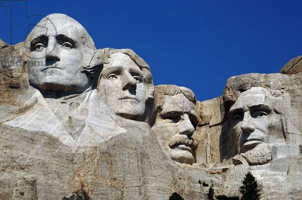 Heads of the United States's presidents carved into Mount Rushmore. From left to right, George Washington, Thomas Jefferson, Theodore Roosevelt and Abraham Lincoln. 1927-1941. By Gutzon and Lincoln Borglum. Keystone.