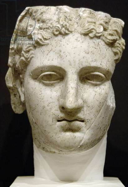 GREEK ART. REPUBLIC OF ALBANIA. Bust of woman.Herculaneum type. First half of I century BC.