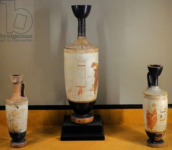 Greek art. White-ground lekythos: Woman and Youth by the Gravestone. Clay. Attica, 440 BC. The Thanatos painter.
