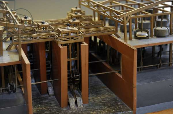 Study of Leonardo da Vinci. Multiple cylinder mill. Model.