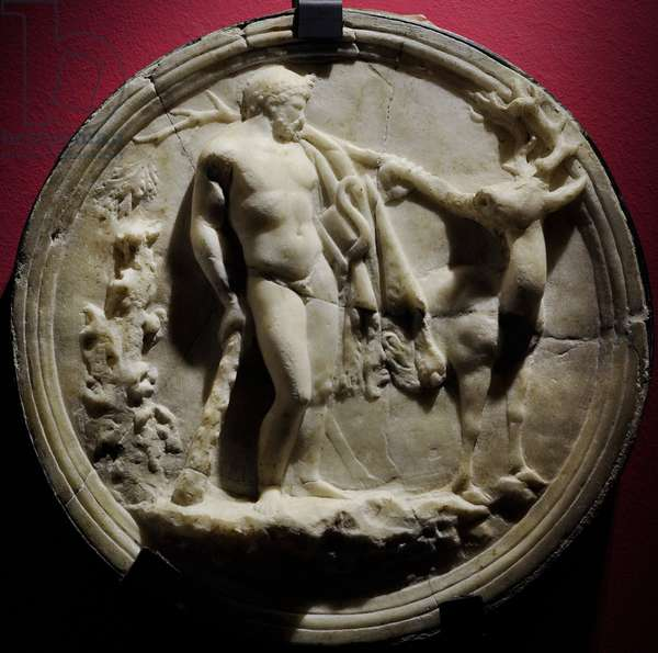Oscillum depicting Heracles and the Ceryneian hind (third labour), Late 1st century BC, from Pompeii (marble)