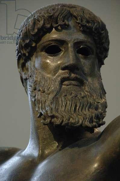 Greek art. Classical period. Initial Period. Zeus. Bronze sculpture.