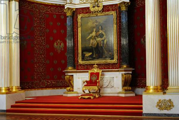 The State Hermitage Museum. View of Peter the Great Hall (Small Throne Room) in the Winter Palace. By Auguste Montferrand, 1833, Late classicism. Saint Petersburg. Russia.