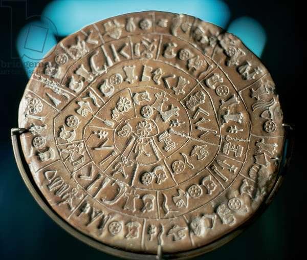 Minoan art. Crete. Phaistos Disc (sculpture)