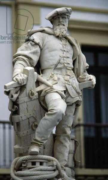 Statue of Juan Sebastian Elcano  (1476-1526) by Ricardo Bellver Ramon  (1845-1924), Spain  (photo)