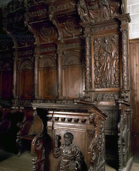 Choir stalls in oak by Geroge Comon and John Jubero, Barbastro Cathedral, Spain (photo)