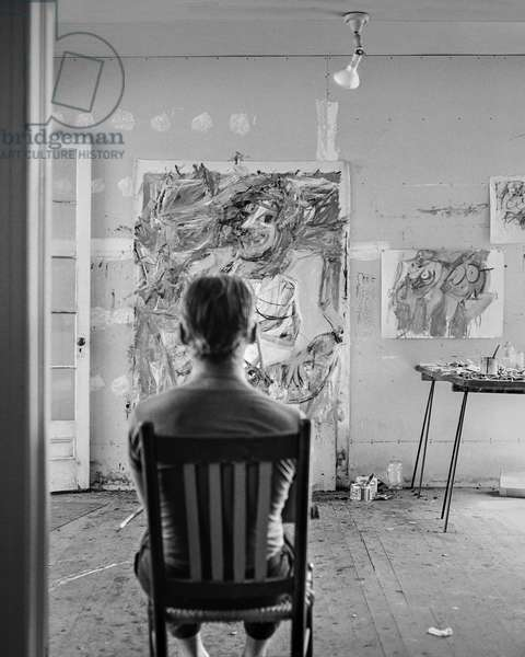 Willem de Kooning with back to the camera, East Hampton Art Colony, New York, 1953 (b/w photo)