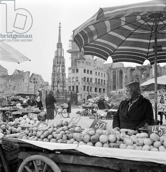 Farmers' Market, Nuremberg, Germany, 1948-49 (b/w photo)