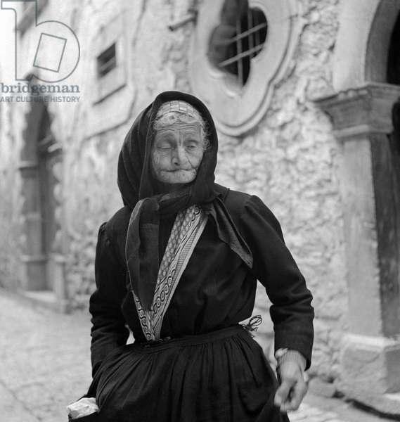 Maria Nicolo, Coffee shop owner in Bonefro, 1947-49 (b/w photo)
