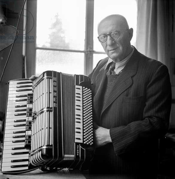 Venanzio Morino, Trossingen, Germany, 1948-49 (b/w photo)