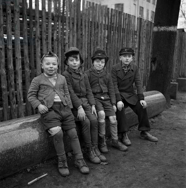Little German Gang, Frankfurt, 1946-47 (b/w photo)
