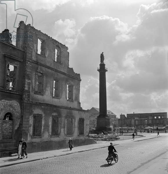 Luisenplatz and Ludwigs-Column during reconstruction, Germany, 1948-49 (b/w photo)