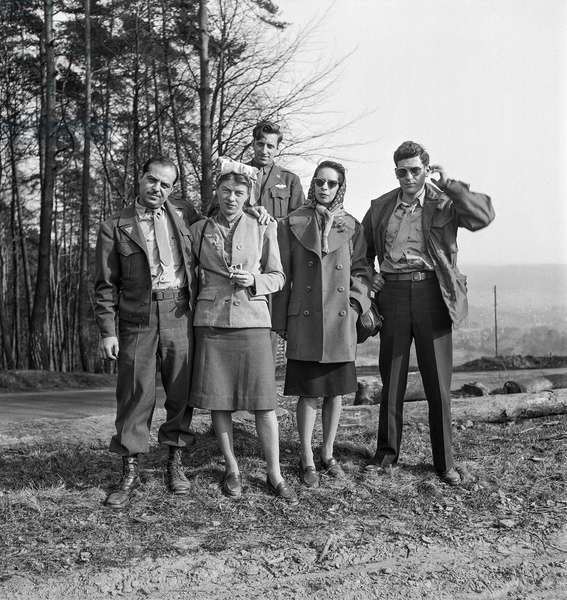 AVA workers from Hoechst on weekend, Bad Homberg, Germany, 1948 (b/w photo)