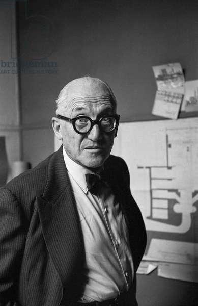 Le Corbusier (b/w photo)