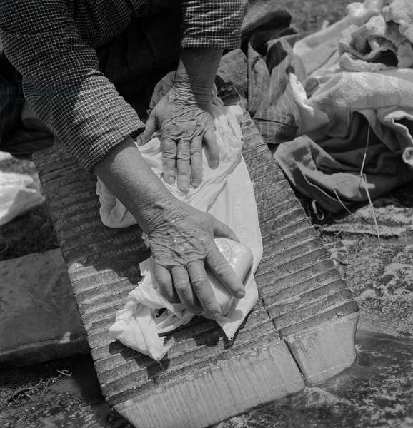 Working Hands, Bonefro, Italy, 1947 (b/w photo)
