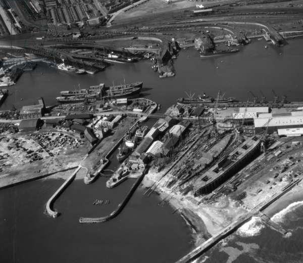 The South Docks, Sunderland, UK, 1948 (b/w photo)