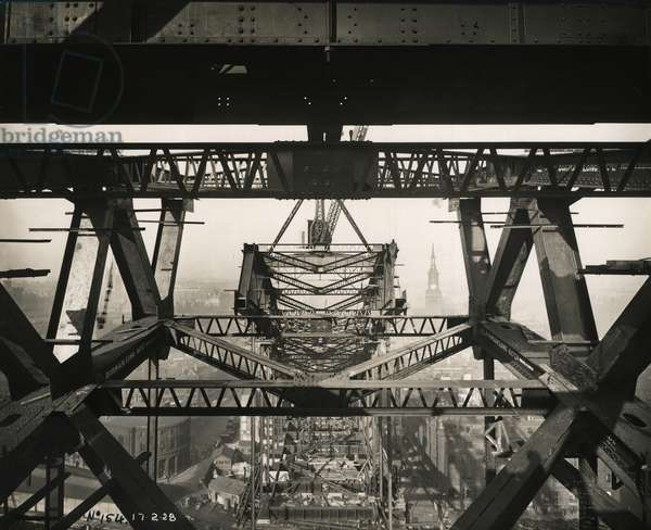 Photograph of the 'K' bracing between the arches of Tyne Bridge, taken during its construction on 17th February 1928 (b/w photo)