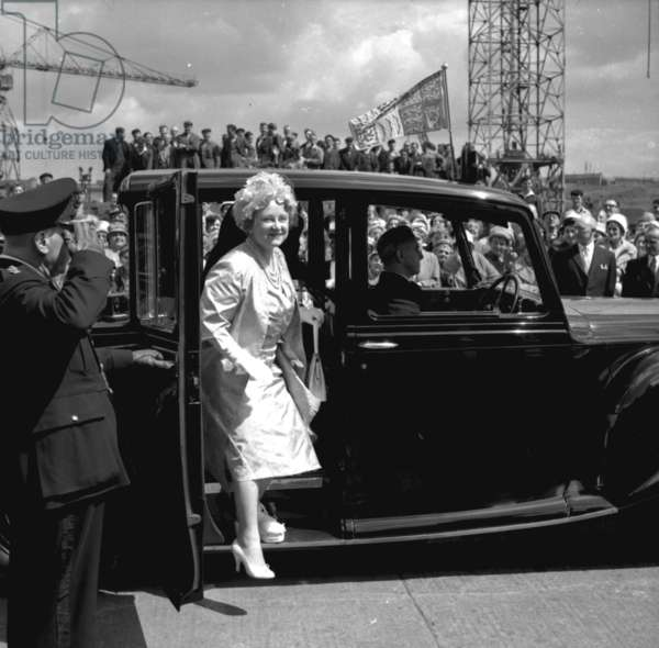 The Queen Mother arriving at Walker Naval Yard, Newcastle, UK, 1961 (b/w photo)