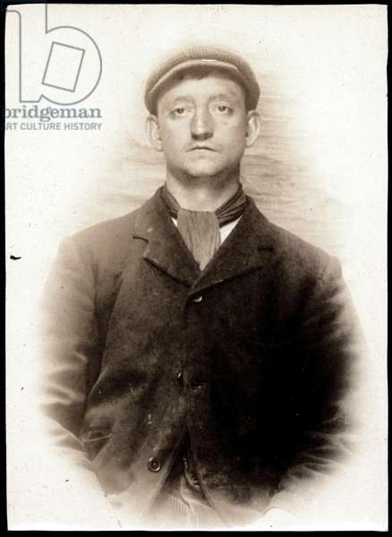 James Elliott, arrested for stealing a copper lamp, North Shields, UK, 1907 (b/w photo)