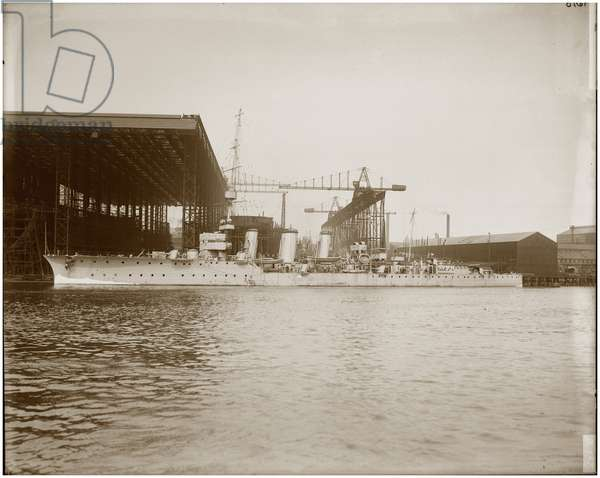 Comus at the Wallsend shipyard, c.1915 (b/w photo)