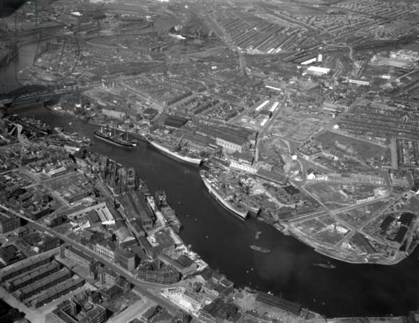 Aerial view of the River Wear, UK, 1948 (b/w photo)