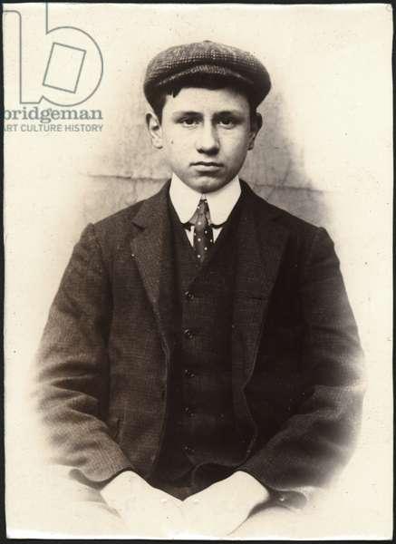 Percy John Proctor, draper's assistant, arrested for false pretences, North Shields, UK, 1906 (b/w photo)