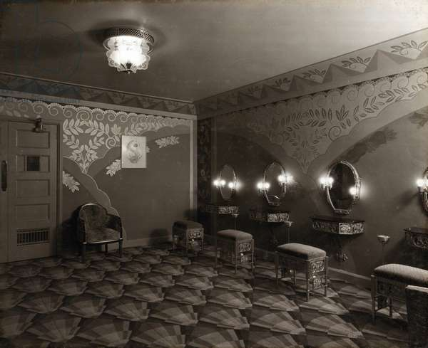 View of the ladies powder room at the Paramount Theatre, Pilgrim Street, Newcastle upon Tyne, September 1931 (b/w photo)