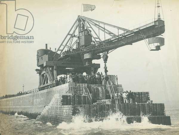 Dignitaries assembled on Roker Pier, 1895 (b/w photo)