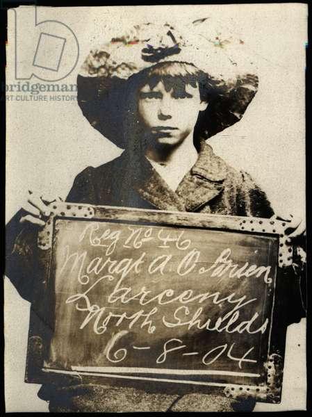 Margaret Ann O'Brien, arrested for obtaining money by false pretences, North Shields, UK, 1904 (b/w photo)