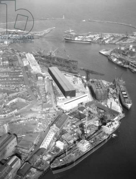 Aerial view of the North Sands shipyard of J.L. Thompson & Sons, Sunderland, Tyne and Wear, UK, 30 March 1960 (b/w photo)