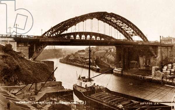 Postcard of the Wearmouth Bridge, Sunderland, UK, c.1930